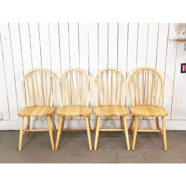 4-chaises-barreaux-claires-1