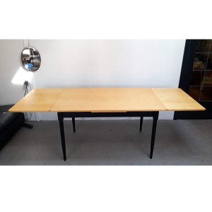 table-rallonges-blond-pied-noir-8