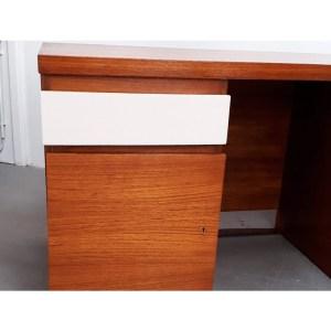 bureau-tiroirs-blancs-3