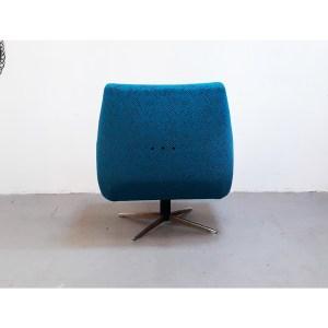 fauteuils-bleu-tournant-4