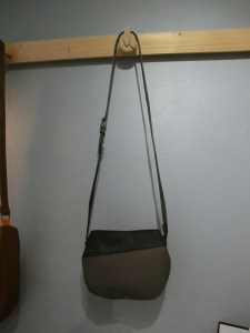Sac Indispensable cuir gris / galuchat