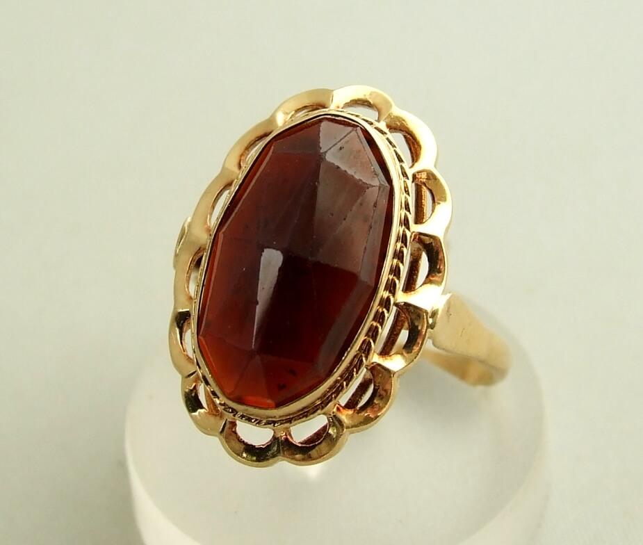 Occasion gouden ring met granaat kopen Goude ring