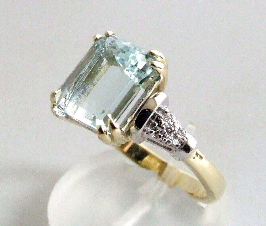 Bicolor ring met aquamarijn en diamanten  Ring kopen
