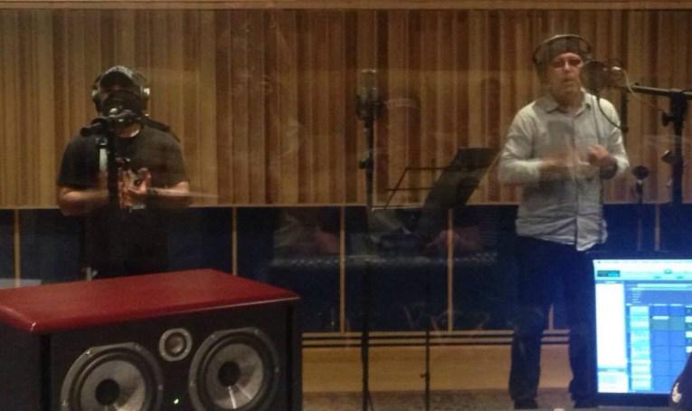 Rubén Blades em estúdio.