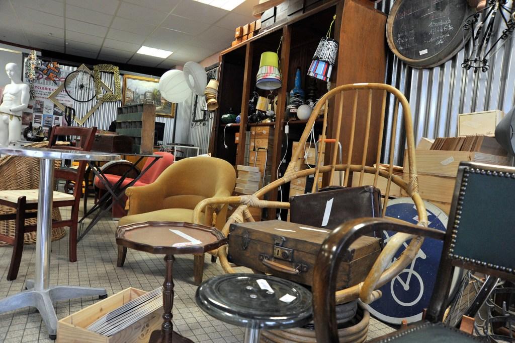 10 jours d 39 ouverture pour la boutique d 39 co solidaire. Black Bedroom Furniture Sets. Home Design Ideas