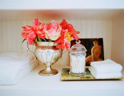 Dans un vase en argent