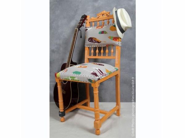 chaise-style-pop-orange-bois-artiste-1