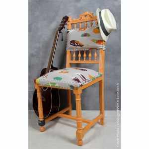 chaise-style-pop-orange-bois-artiste-1