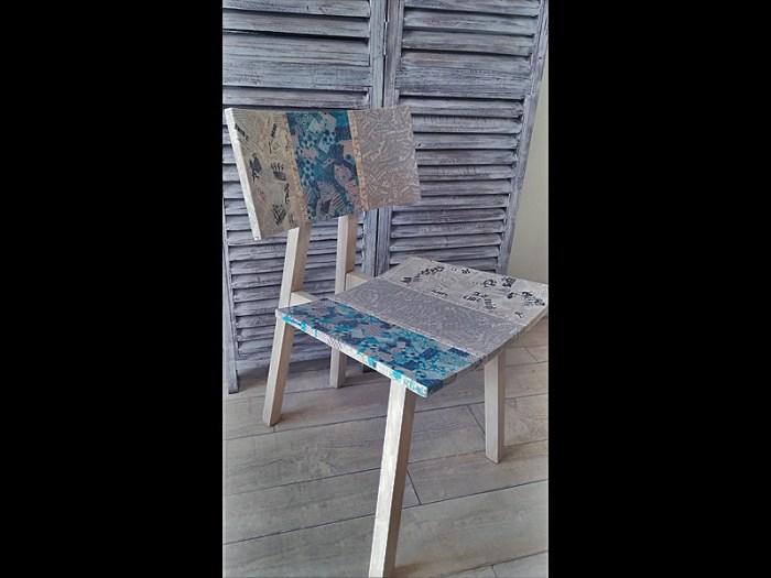 chaise-pastel-bois-pied-compas-1-atelier-de-rg-3