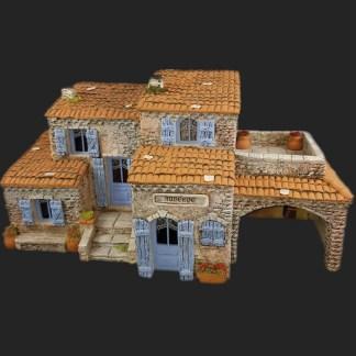 Maison de village ensemble mv5 auberge de Provence – Atelier de Fanny – Santon – Santons – Décors de crèche – Aubagne – Provence – Crèche de Provence – Santon de provence.jpg