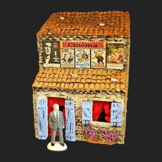 Cinéma de provence – lino ventura – atelier de Fanny – Aubagne -provence – santon de provence -santon – décors de provence – décors de crèche – crèches de Provence- accessoire de Provence -artisan – made in france – france