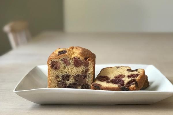 いちご沢山入れておやつ系焼きっぱなし系ケーキ