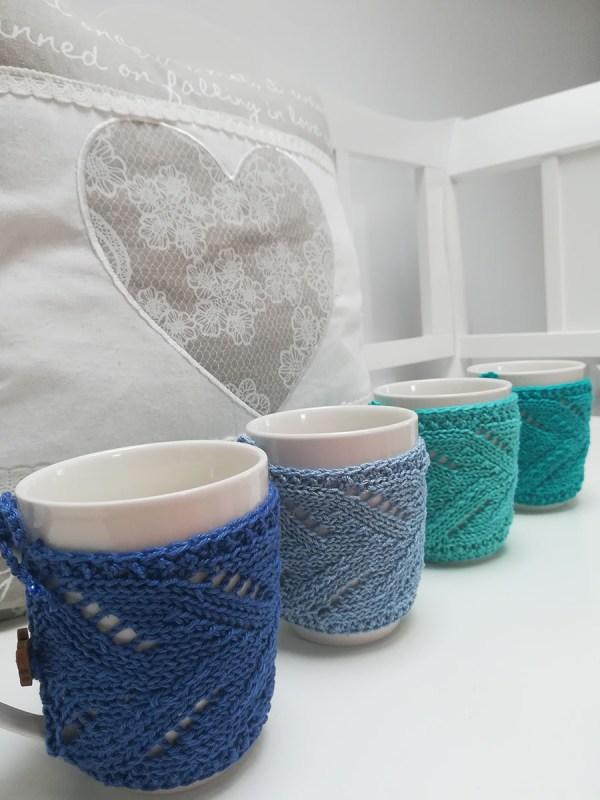 blue-knit-cozy-mug
