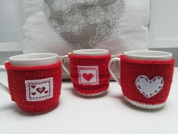 valentines-knit-mug-cozy