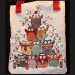 Gufi a Natale -particolare della stoffa-