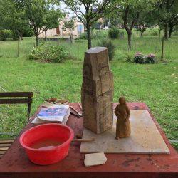 houten beeld in de maak