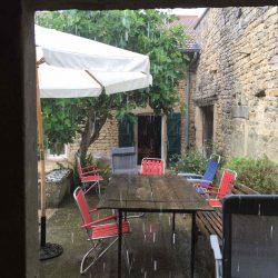 stromede regen!