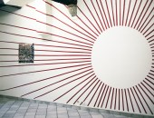 Karolina Kazmierska // Sans titre // peinture murale acrylique // 2012 Bomb on Coal // impression photo découpée collée sur une plaque de plexiglas // 2012