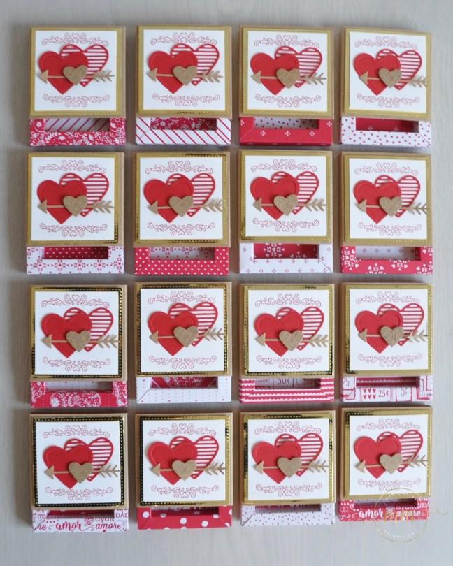 Boîtes d'allumettes cadre pour la Saint Valentin avec le lot de tampons scellée d'un baiser, Framelits Mots d'amour et Framelits Forme à coudre et son tutoriel par Marie Meyer Stampin up - http://ateliers-scrapbooking.fr/ - Love Notes framelits dies - Stitched Shapes Framelits Dies - Sending Love Designer Series Paper Stack - Sealed With Love Stamp Set - Mit Gruß Und Kuss stemp set- Liebesgrüße Framelits Dies