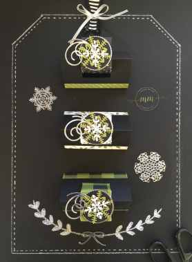 Boîte Ferrero Jolies Fêtes avec son tutoriel, papier de la série Design Jolies Fêtes, Thinlits Flocons virevoltants, Thinlits Superpositions de saison, Framelits Formes à coudres, Framelits Pyramide de cercles par Marie Meyer Stampin up - http://ateliers-scrapbooking.fr/ - Ferrero Box Merry Little Christmas tutorial, Merry Little Christmas Designer Series Paper, Swirly Snowflakes Thinlits, Seasonal Layers Thinlits, Stitched Shapes Framelits, Layering Circle Framelits Ferrero Box Frohes Fest Anteilung, Designerpapier Frohes Fest, Thinlits Formen Flockenreigen, Thinlits Aus jeder Jahreszeit, Framelits Stickmuster, Framelits Lagenweise Kreise