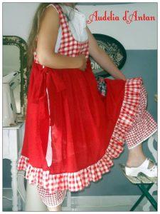 Robe rouge d'Audelia d'Antan