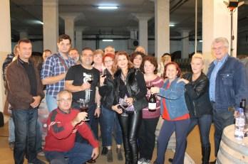 O amintire speciala: Razvan Macici si 15 membrii ai Grupului Song, autorii primului flash mob realizat intr-o crama. S-a intamplat pe 10 octombrie 2014.