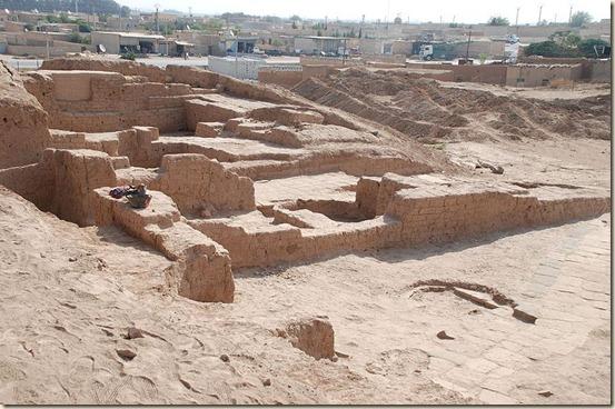 800px-TellHalaf,NE-palace1