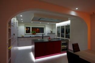 EFH Bremgarten Küche LED Beleuchtung