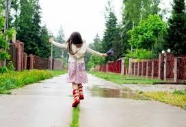 雨の日でもオシャレしたい!雨の日が楽しみになっちゃうおすすめレインウェア5選