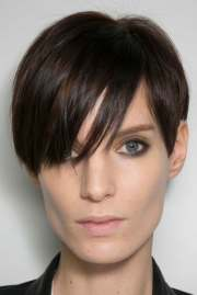 short hairstyles long faces