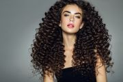 curly hairstyles and trends 6
