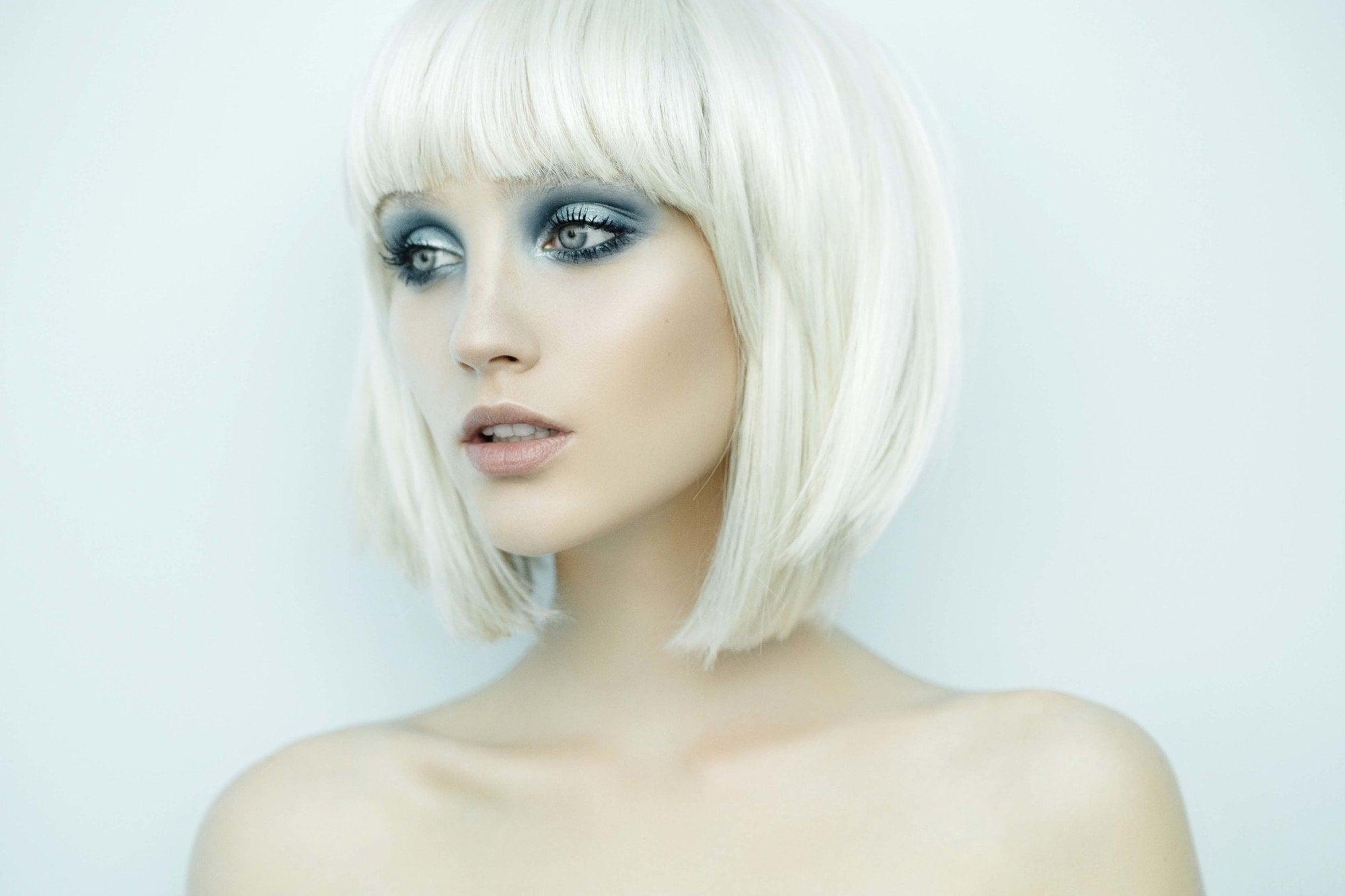 Platinum Blond Bob Novocom Top