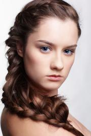 brown hair blue eyes 10 hairstyles