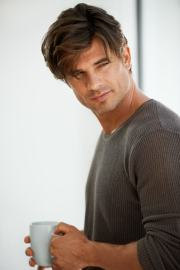 messy hairstyles men create