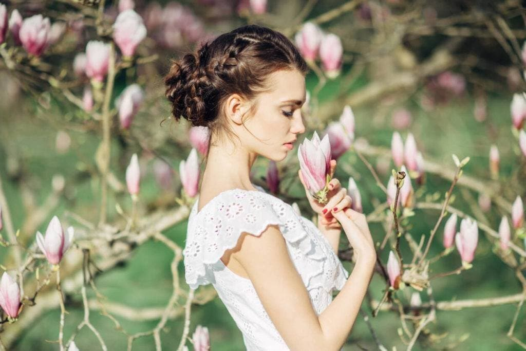 Wedding Hairstyles For Medium Length Hair: 13 Styles for You