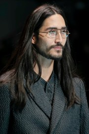 5 hairstyles men with long