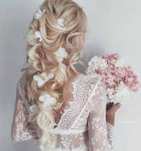 20 double tap-worthy curly wedding hair looks to copy now