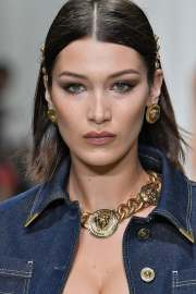 chic hair clip hairstyles inspire