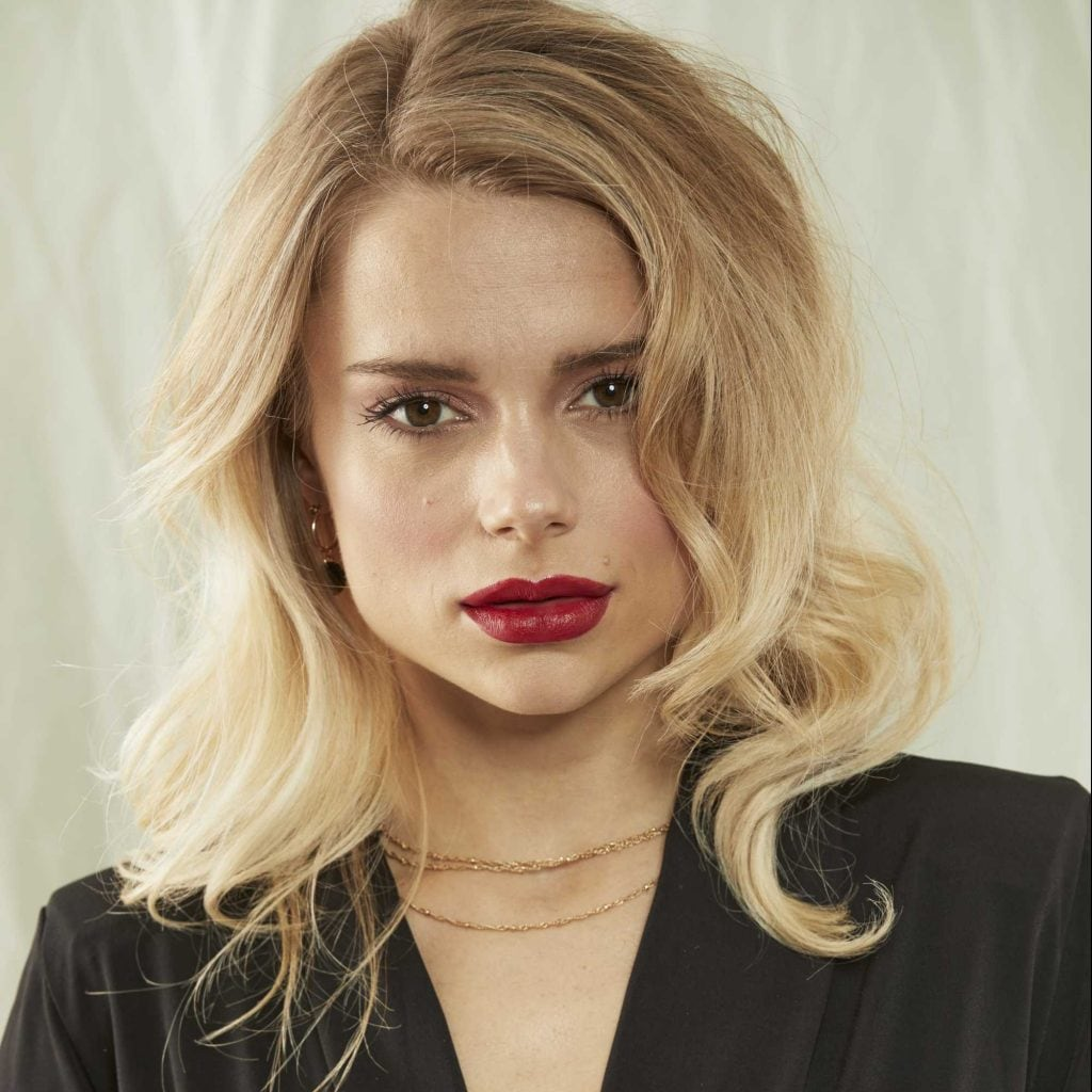 Voluminous Waves Your New Goto Hairstyle for any Occasion