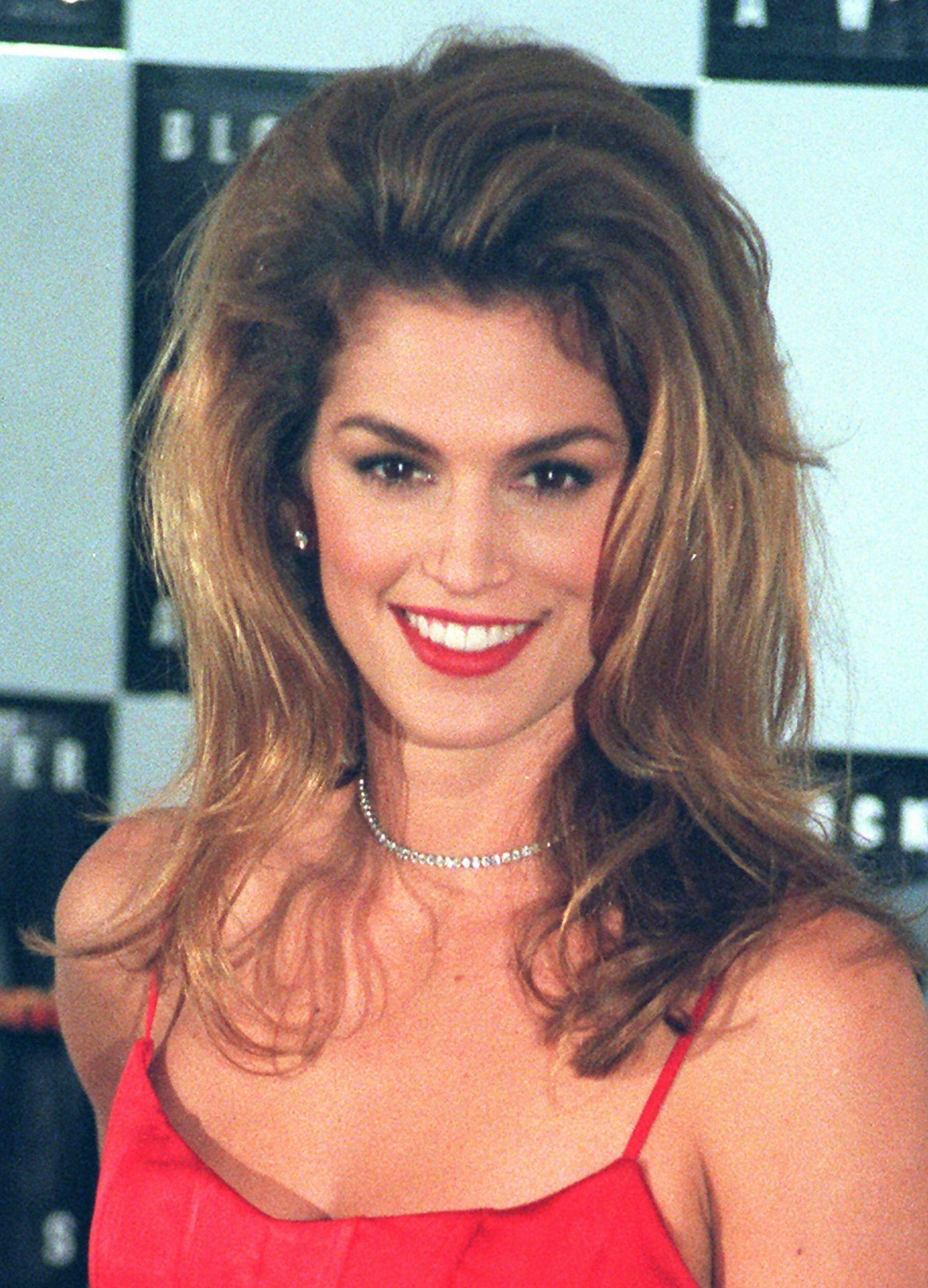 90s Mom Hair : Iconic, Hairstyles, Still, Popular, Today, Things