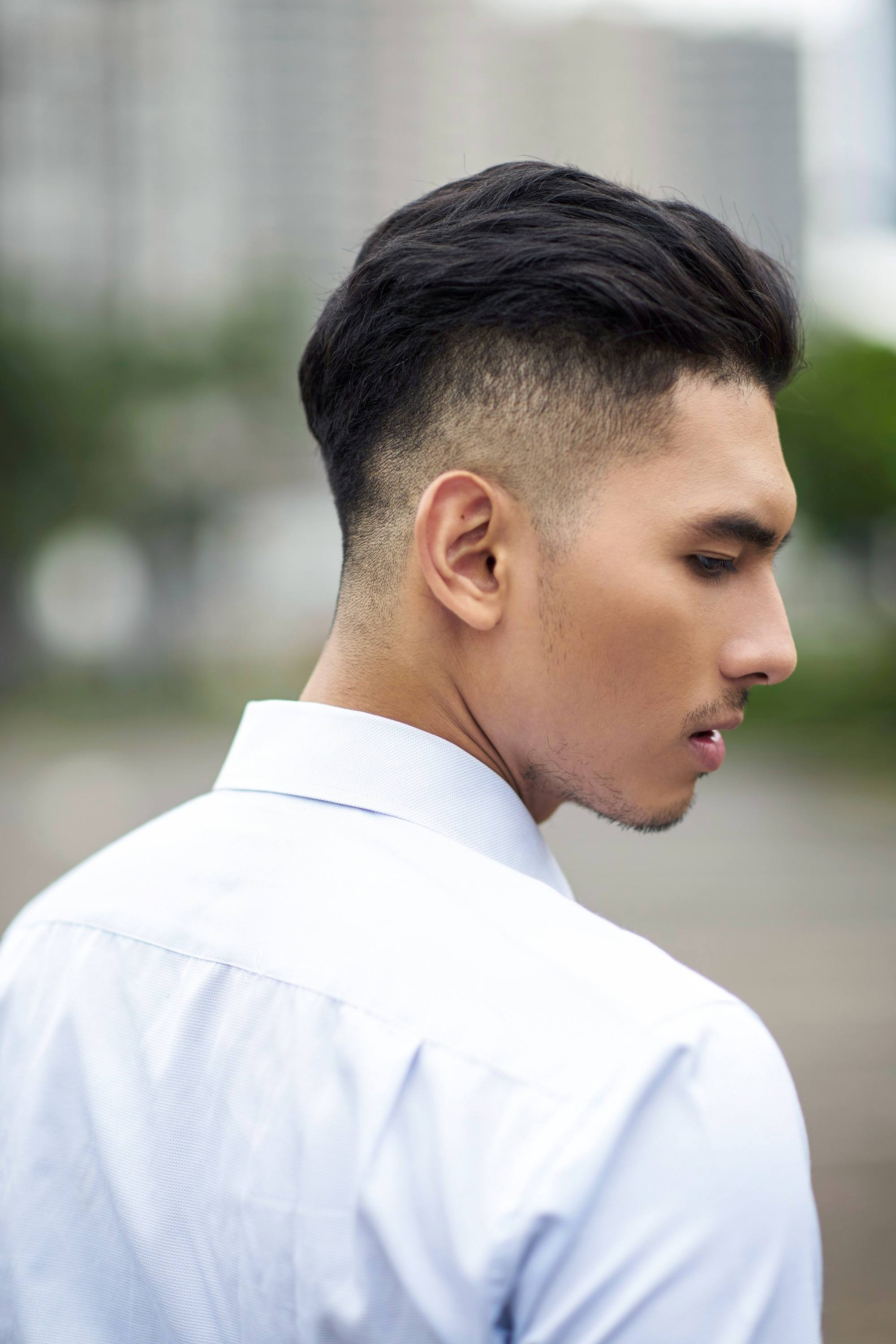 How To Slick Back Hair (2021 Guide)