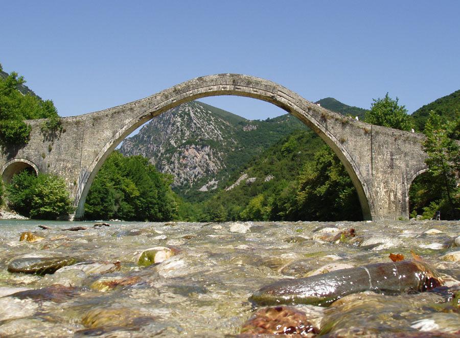 Πέτρινο γεφύρι πλάκας 1