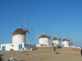 Mykonos_Windmills_at_Chora