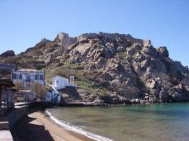 Myrina_castle_from_romeikos_gialos_day