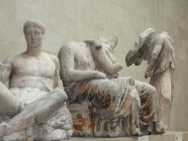 Parthenon_pediment_statues