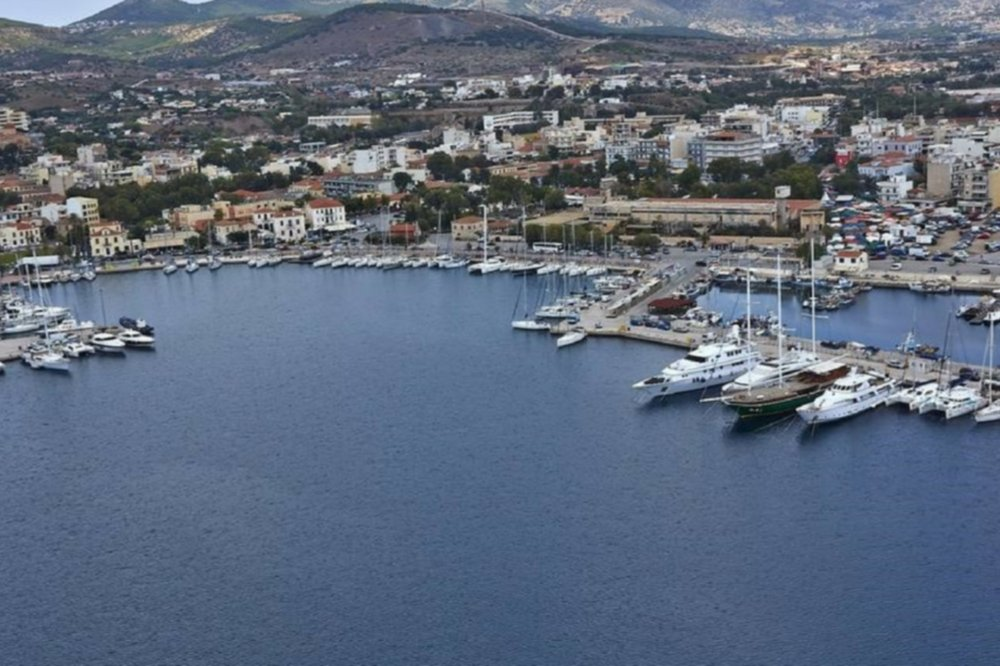 Athens Airport (ATH) transfers to/from Lavrio Port with taxi. minivan. minibus. van. limousine. cab. shuttle