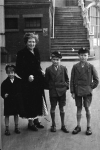 Picture of FitOldDog when he was 10, taken in Brighton England, with his Mom, younger brother (Trevor) and sister (Marian).