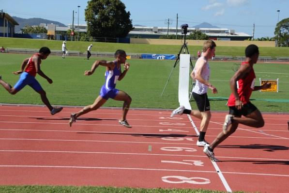 Mens 100m Heats (12)