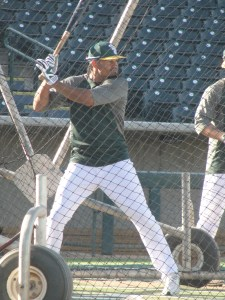 Coco Crisp getting serious in the batting cage