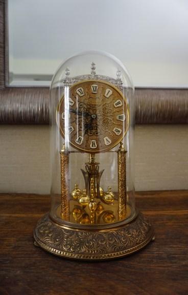 Horloge 400 jours héritée du grand-père de Céline